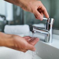 Sink running water